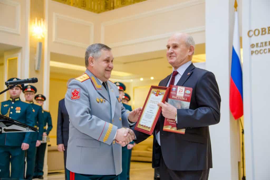 В Совете Федерации России открылась выставка картин художника-мариниста Павла Бойко